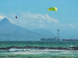 Red Bull King of the Air 2017 compettion extreme kitesurf kiteboarding kiteboard kite crash kite 2017 compet riders pro