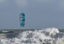 Photo du jour de kitesurf en hd Univers Kite kitesurf universkite.fr kitesurfeurs Photos 2017 gallerie de photos Kitesurfeuses Images Rideur Kitesurfeur Kitesurfeuse Kiteboarding kite surf Luke Thomas