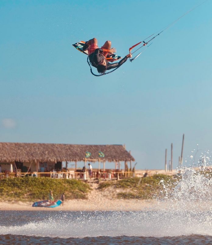 Alex Neto by clickite Photo du jour de kitesurf en hd Univers Kite kitesurf universkite.fr kitesurfeurs Photos 2018 gallerie de photos Kitesurfeuses Images Rideur Kitesurfeur Kitesurfeuse Kiteboarding kite surf