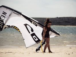 Angely Bouillot Photo du jour de kitesurf en hd Univers Kite kitesurf universkite.fr kitesurfeurs Photos 2018 gallerie de photos Kitesurfeuses Images Rideur Kitesurfeur Kitesurfeuse Kiteboarding kite surf